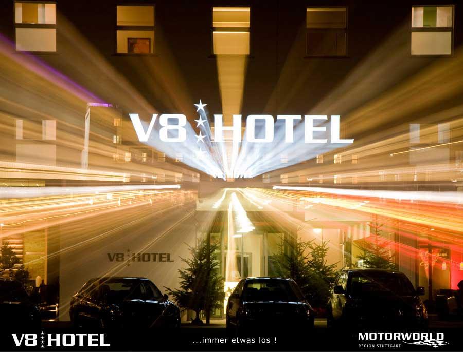 Echt was los... V8 Hotel in der Motorworld Region Stuttgart in Böblingen bei Sindelfingen
