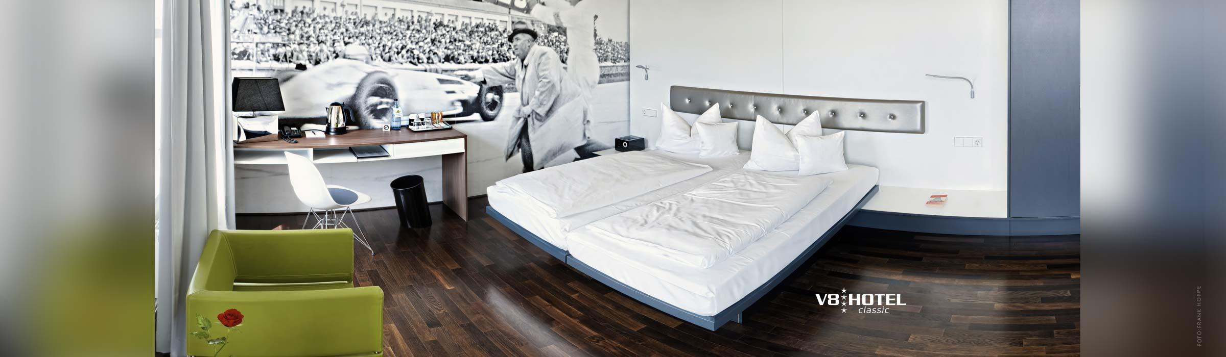 Übernachtung - Designzimmer - V8 Hotel Motorworld Stuttgart