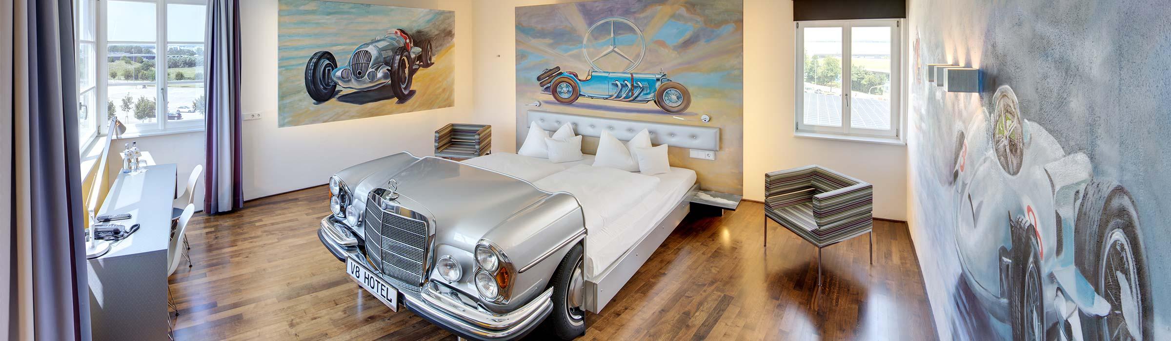 Mercedes Suite V8 Hotel