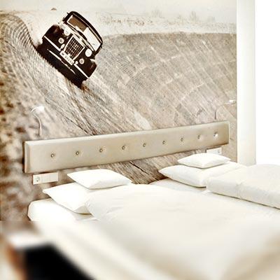 Designzimmer im Stil der klassischen Moderne - V8 Hotel