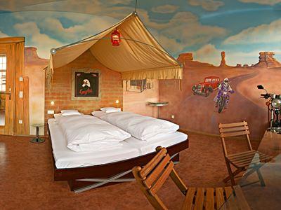 V8 Hotel Themen-Einzelzimmer